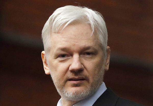 Vill att Sverige häver häktning av Assange