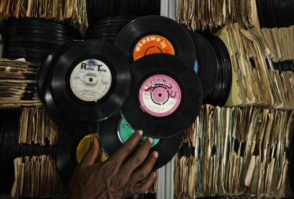 Vinylfabrik öppnar på svensk mark