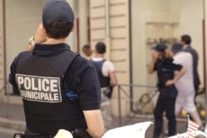 Fyra skadade i knivattack i Marseille