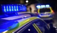 Polisbilar skadade i jakt på berusad förare