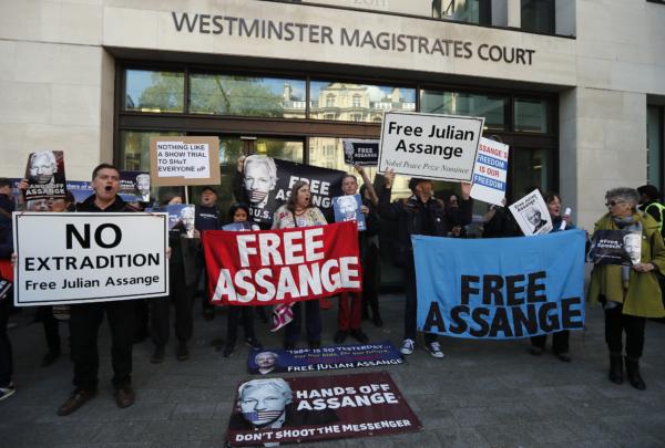 Assange motsätter sig utlämning