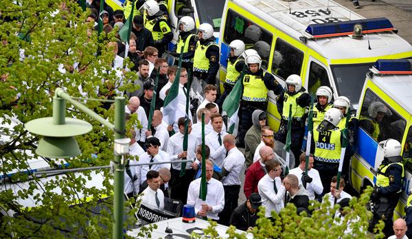 21 brottsmisstänkta efter nazistdemonstration
