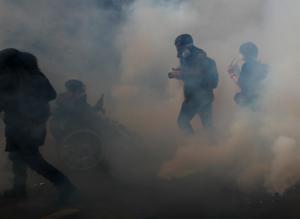"""Paris-sjukhus """"stormat"""" enligt regeringen"""