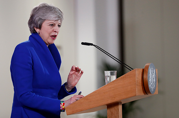 Nära mayday för Theresa May