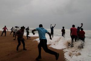 Över en miljon evakueras undan cyklon