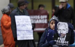 Wikileaks: Assange mår bättre