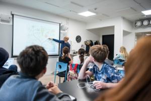 Språken i fara när skolans timplaner ses över