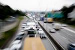 Minskad trafik och färre köer när folk stannar hemma